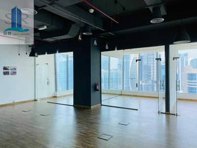 Office for Sale in Business Bay, Dubai - Conner Unit!! Fitted w High Partitions - Own Pantry - Toilet