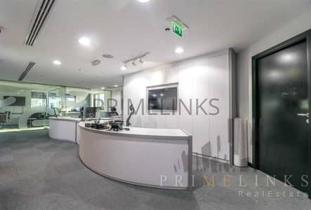 Office for Sale in Business Bay, Dubai - Vacant   High Quality Furniture   Four car Parks