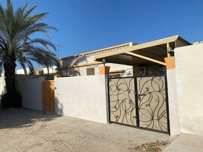 clean four-rooms house with new air conditioners in Ghafia