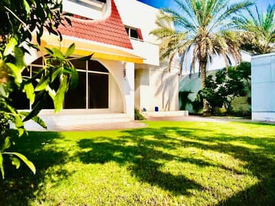4 Bedroom Villa for Rent in Jumeirah, Dubai - Spacious and Bright 4 Bed plus study villa with beautiful private garden in Jumeirahn3