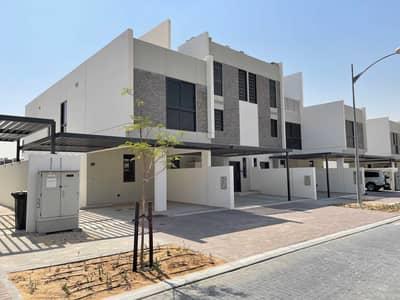 تاون هاوس 3 غرف نوم للايجار في (أكويا أكسجين) داماك هيلز 2، دبي - END UNIT | Community center | Golf course view