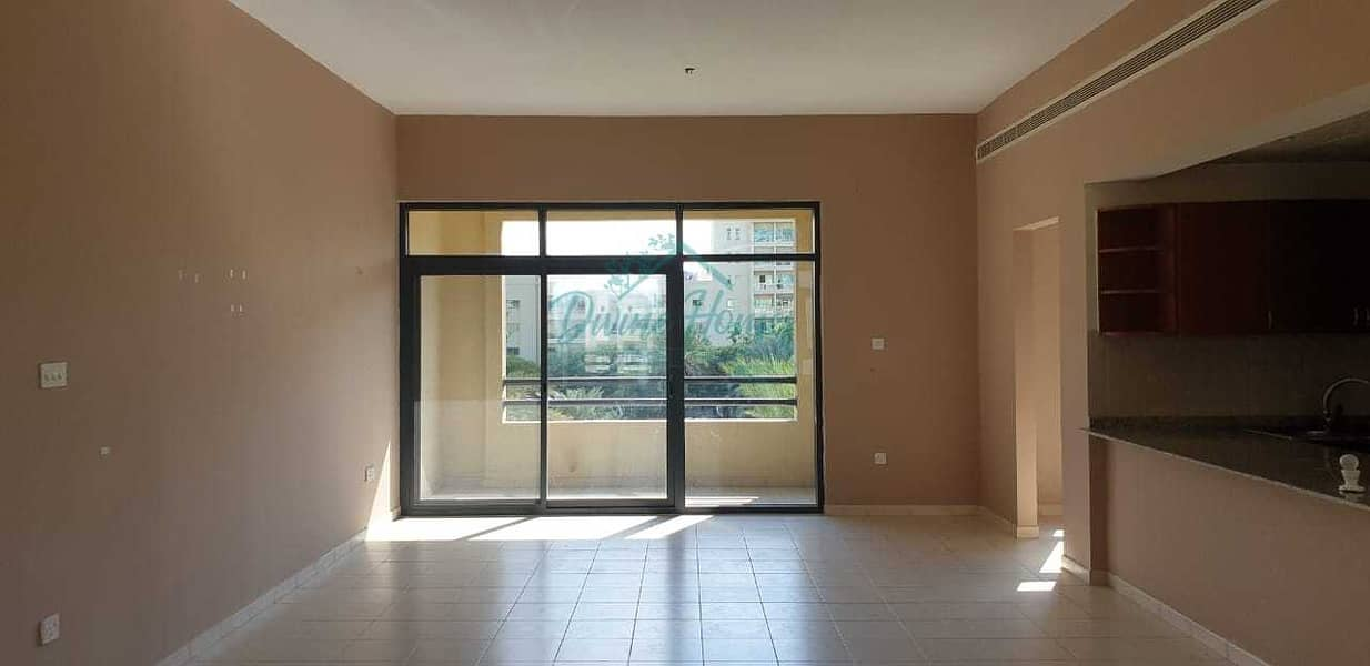 شقة في النخیل 3 النخیل الروضة 2 غرف 1650000 درهم - 5306392