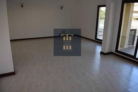 فیلا 4 غرف نوم للايجار في جميرا، دبي - فیلا في جميرا 3 جميرا 4 غرف 160000 درهم - 5459928