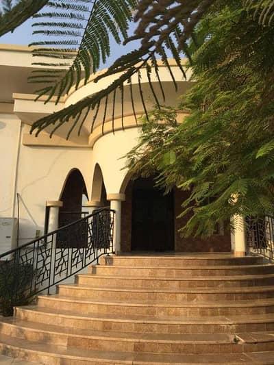 5 Bedroom Villa for Sale in Muwafjah, Sharjah - For sale villa house in Al-ramaqia