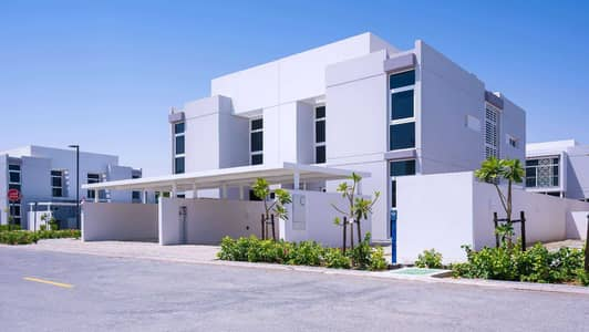 تاون هاوس 4 غرف نوم للبيع في مدن، دبي - Single Row Semi-Detached in a Quiet Location