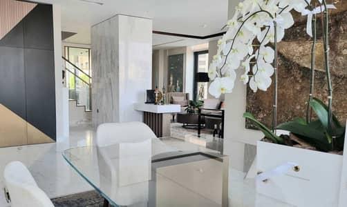 Upgraded stunning 4bed Duplex unique apartment