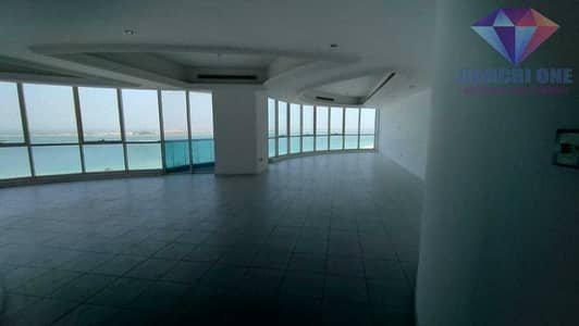 4 Bedroom Flat for Rent in Corniche Road, Abu Dhabi - Spacious Duplex | Great Family Environment