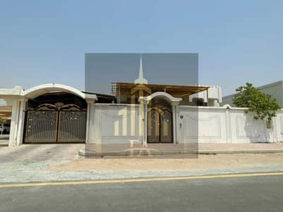 VILLA AVAILABLE FOR RENT IN AL MUSHERIEF 60,000/-YEARLY