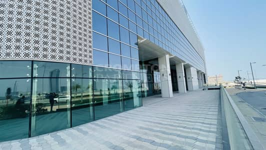 Shop for Rent in Al Reem Island, Abu Dhabi - Huge Retail Showroom, Prime Location, Reem Island