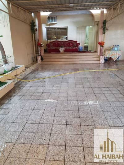 7 Bedroom Villa for Sale in Musherief, Ajman - For sale Arabc House, Mushairef area, excellent location close to services and close to the main street