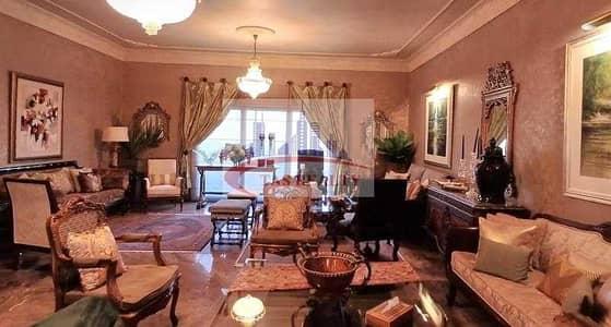فیلا 10 غرف نوم للبيع في القرهود، دبي - Stunning  and Huge 10 Bedrooms Villa for Sale in Al Garhoud