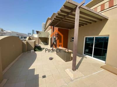 2 Bedroom Flat for Rent in Jumeirah Village Circle (JVC), Dubai - Huge Unit with Large Terrace - Monthly cheques