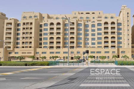 1 Bedroom Apartment for Rent in Palm Jumeirah, Dubai - Well Maintained | 1 Bedroom | Golden Mile 4