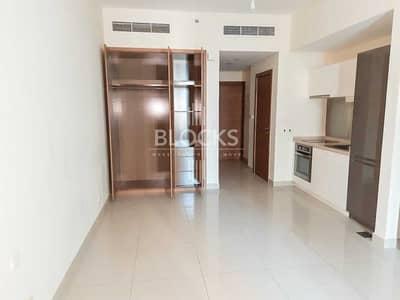 Studio for Rent in Downtown Dubai, Dubai - Chiller Free   Community view   Equiped Kitchen