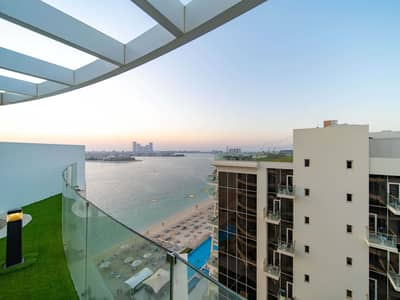 3 Bedroom Penthouse for Sale in Palm Jumeirah, Dubai - Spacious Terrace & Best Views on the Palm