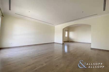3 Bedroom Villa for Sale in The Meadows, Dubai - 3 Bedrooms | Vacant | Price Negotiable