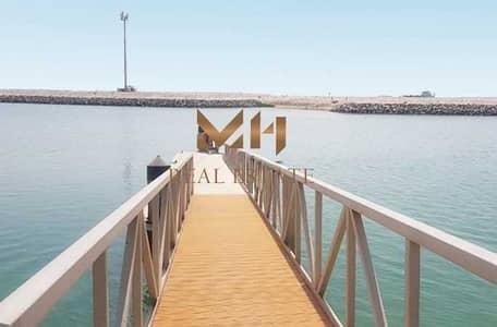 فیلا 5 غرف نوم للبيع في القرم، أبوظبي - فیلا في منتجع القرم القرم 5 غرف 24750000 درهم - 5465472