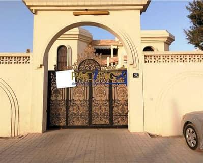 فیلا 4 غرف نوم للبيع في القوز الشارقة، الشارقة - Large Villa   3 Hall   Out house   Big Balcony