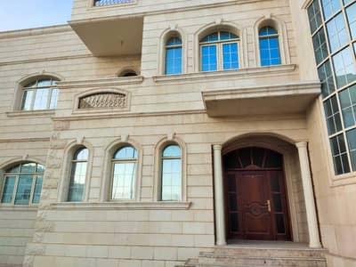 فیلا 5 غرف نوم للايجار في مدينة محمد بن زايد، أبوظبي - فیلا في المنطقة 6 مدينة محمد بن زايد 5 غرف 174999 درهم - 5465681