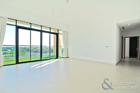 2 Bedroom Apartment for Sale in The Hills, Dubai - 2 Bedroom | The Hills | Lake View | Vacant
