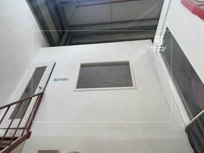 مستودع  للايجار في جبل علي، دبي - Excellent Location | High Power | Flexible Payment | Rare
