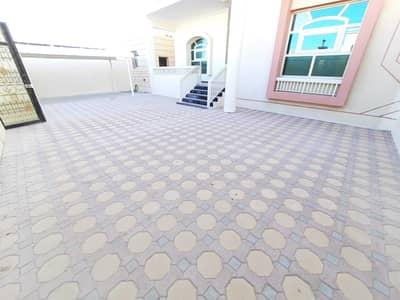 فیلا 5 غرف نوم للايجار في مدينة محمد بن زايد، أبوظبي - فیلا في المنطقة 13 مدينة محمد بن زايد 5 غرف 170000 درهم - 5467841