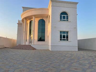 فیلا 8 غرف نوم للايجار في جنوب الشامخة، أبوظبي - فیلا في جنوب الشامخة 8 غرف 150000 درهم - 5470916