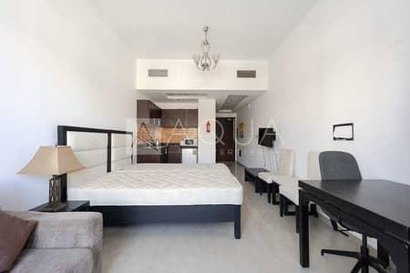 استوديو  للايجار في قرية جميرا الدائرية، دبي - Amazing Studio | Furnished | Balcony | JVC