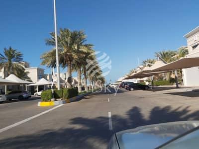 فیلا 4 غرف نوم للايجار في قرية مارينا، أبوظبي - Stunning Villa with Pvt Garden