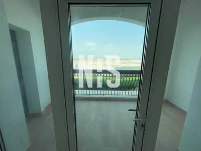 2 Bedroom Flat for Sale in Yas Island, Abu Dhabi - Stylish & Spacious Unit with Huge Balcony   Golf view .