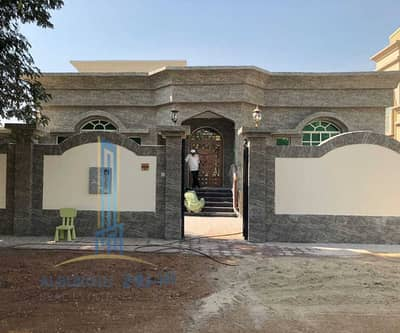 3 Bedroom Villa for Sale in Al Mowaihat, Ajman - Nice and very big villa with a very good price!