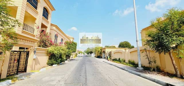 6 Bedroom Villa for Rent in Al Karamah, Abu Dhabi - 6 BHK  w/ 2 Spacious Living Are+Driver's RM