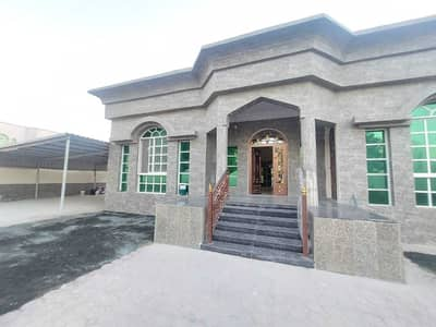 3 Bedroom Villa for Sale in Al Mowaihat, Ajman - Villa for sale, ground floor, electricity and water, an area of 7000 feet, the villa is very excellent