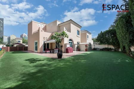4 Bedroom Villa for Sale in Dubai Sports City, Dubai - C3 Villa - Open Plan Living - Estella