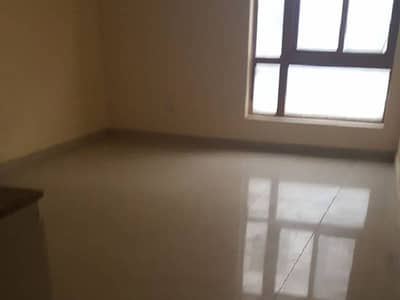 SMALL OFFICE AVAILABLE FOR RENT IN MEANA BAZAR PRIME LOCATION.(SA)