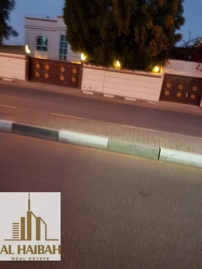 For sale a two storey villa in Sharjah Wasit area