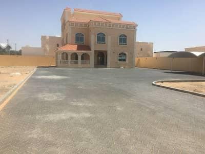 Brand new villa for rent in Hili Naifa close to dubai road