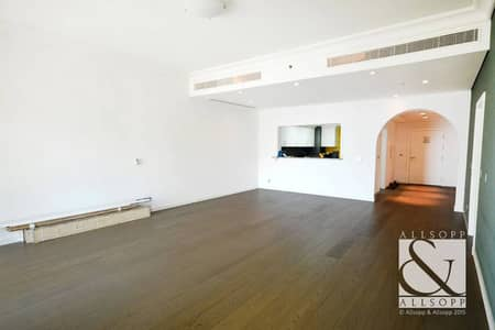 Upgraded   High Floor   Vacant   Sea View