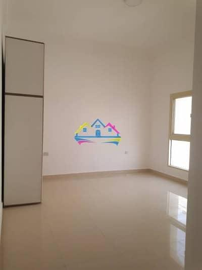 Brand new studio with tawteeq