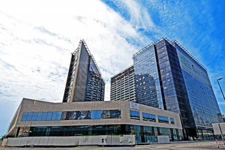 Fitted office in Onyx Tower - easy access to SZR