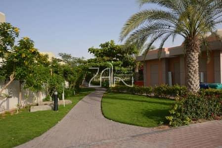 Hot Deal Single Row 3+1 Villa wit Garden
