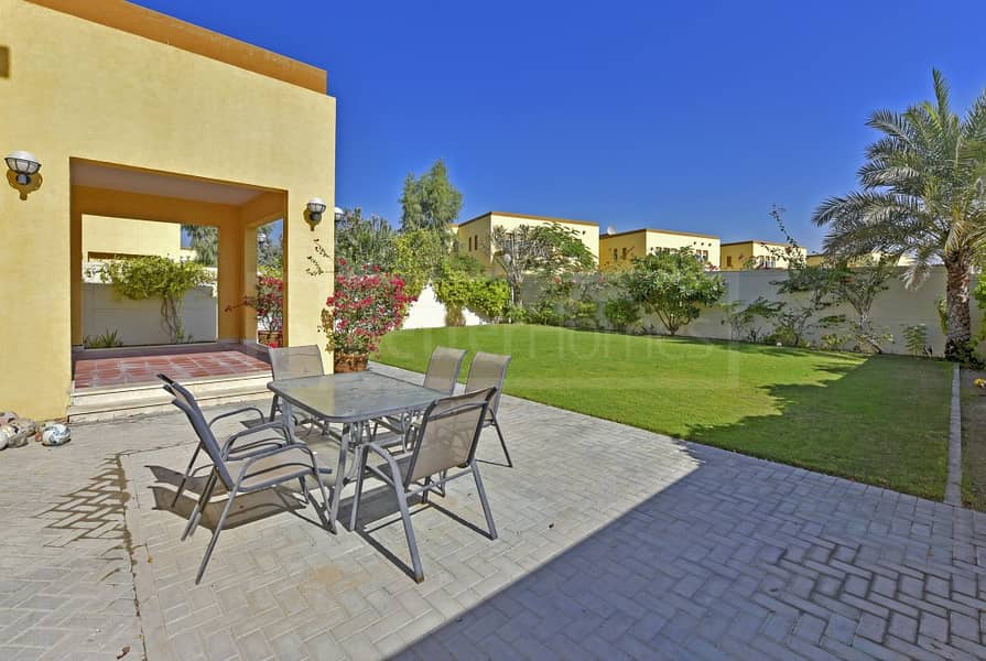 7 Beautiful and very well maintained villa