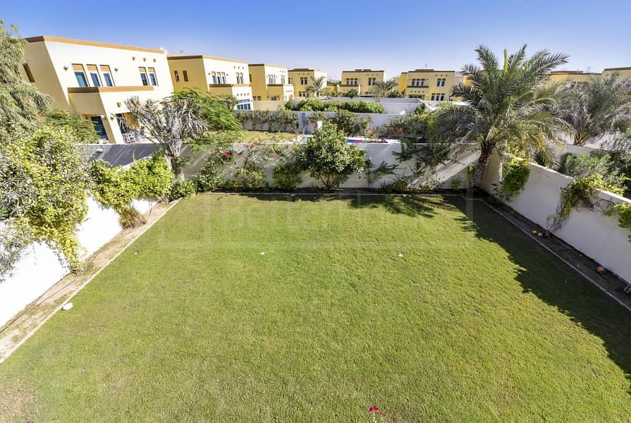 25 Beautiful and very well maintained villa