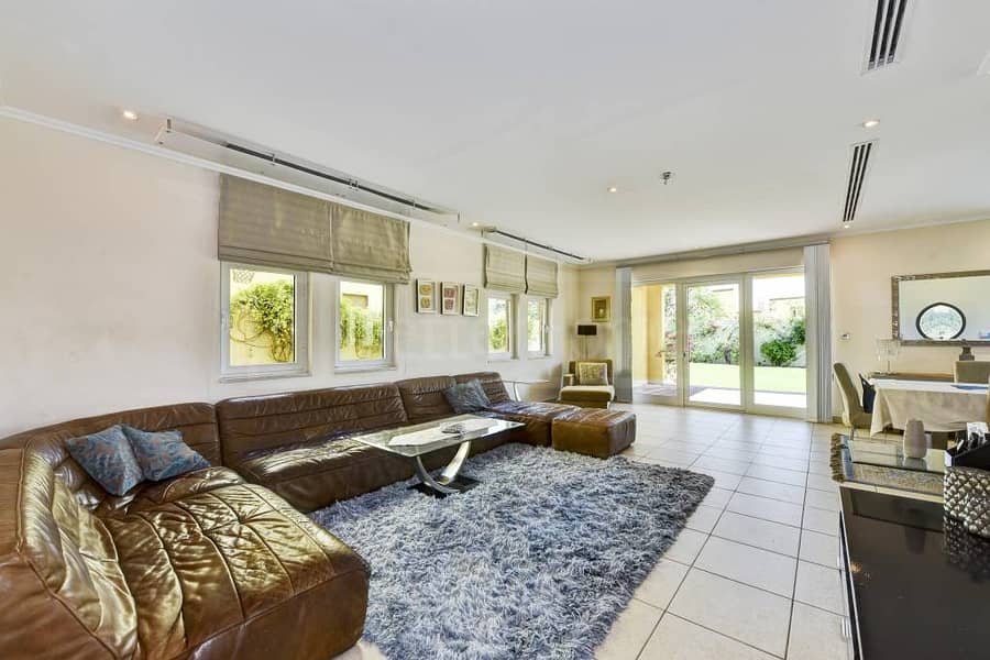 12 Beautiful and very well maintained villa
