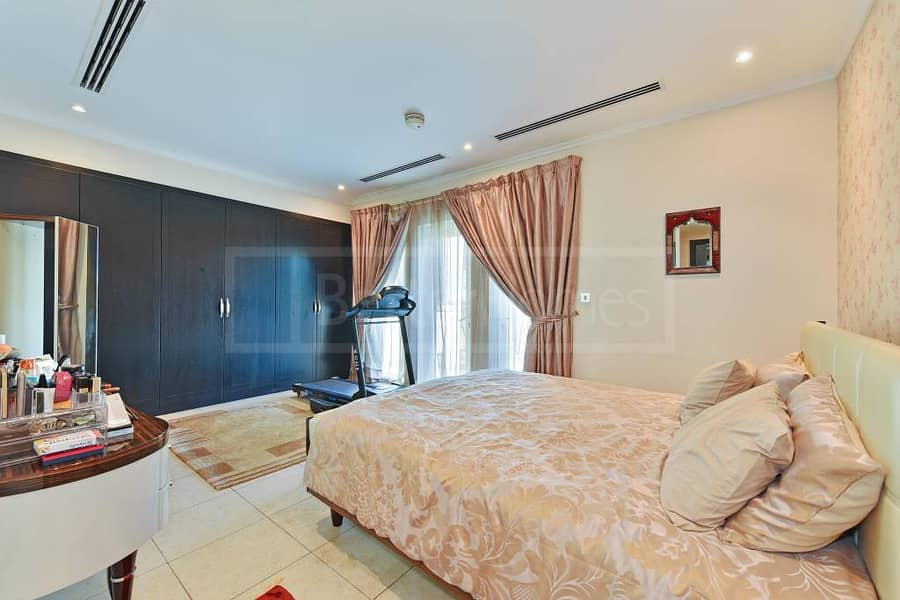 18 Beautiful and very well maintained villa