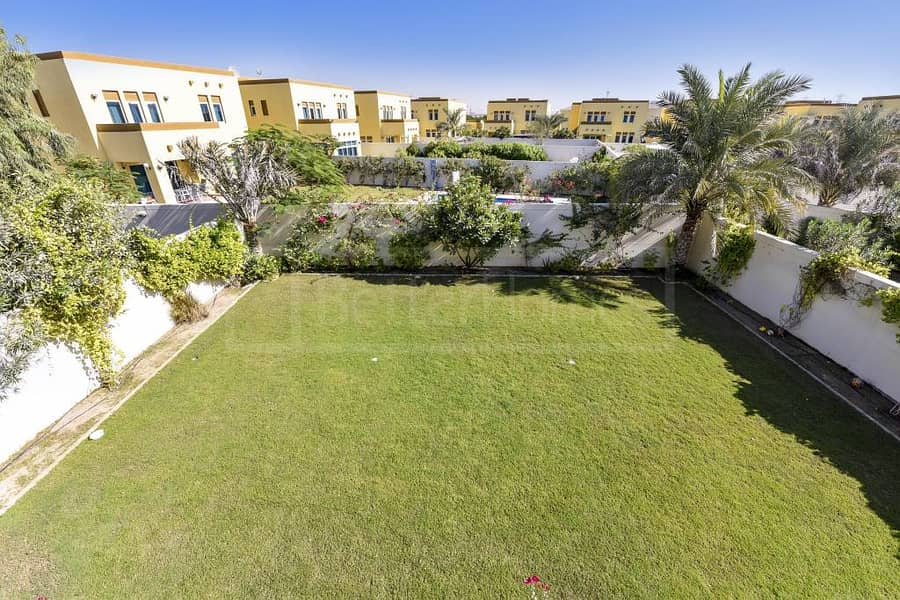 26 Beautiful and very well maintained villa