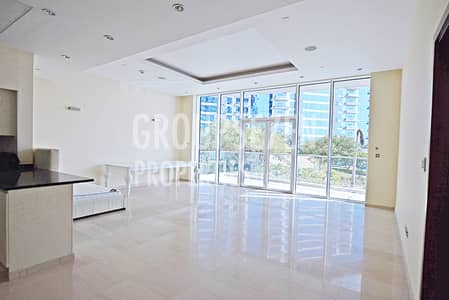 Large sized bright 1bedroom sea and pool view
