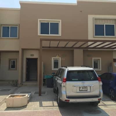 2 Bedroom Villa for Sale in Al Reef, Abu Dhabi - Investor Deal Vacant 2BR Villa w/ Garden