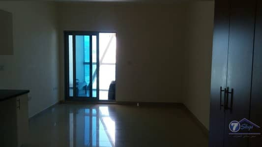 Studio with Balcony in DIFC Park Towers