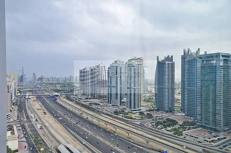High Floor Office w/ Amazing View Aed100/sqft
